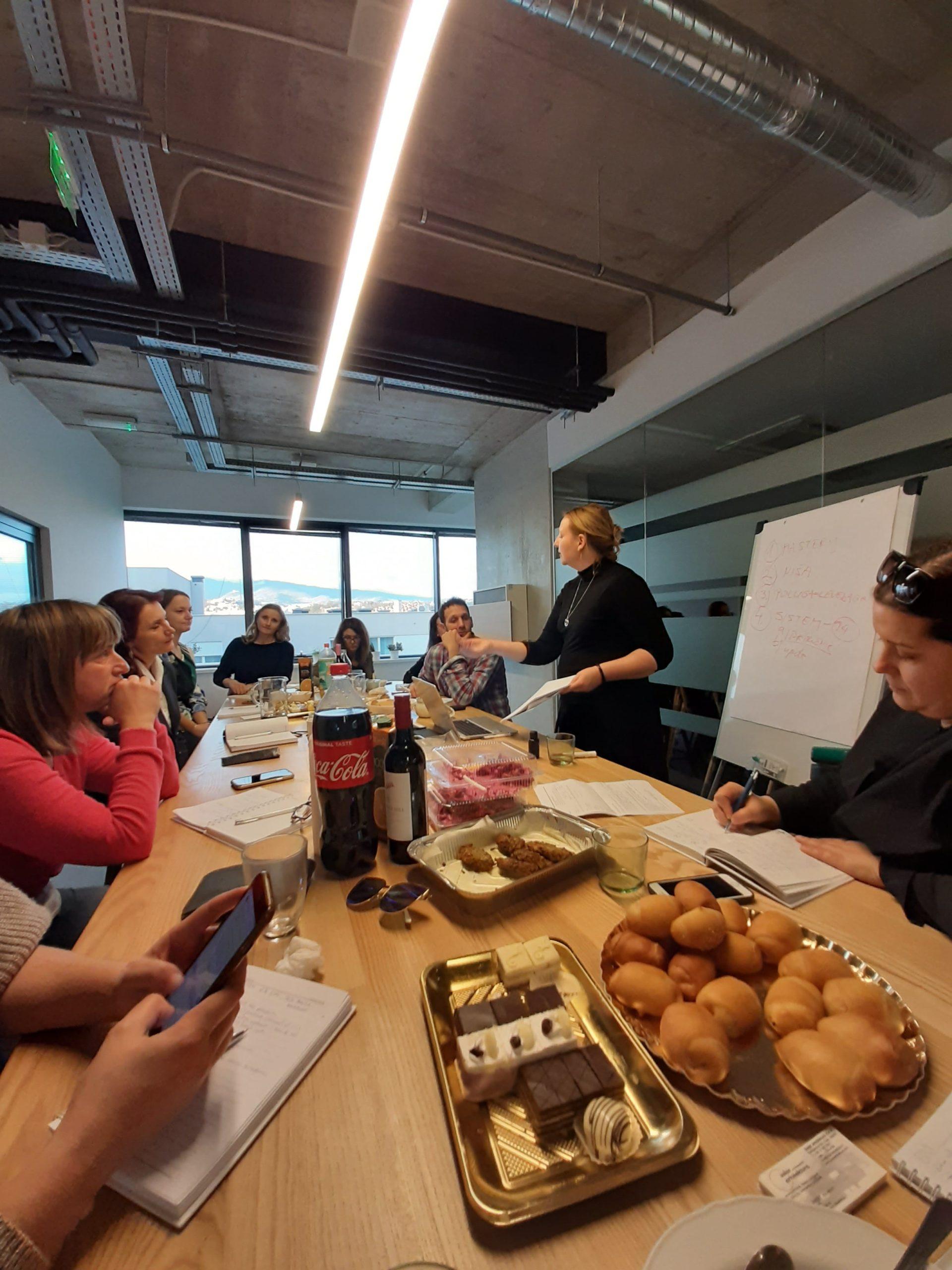 sastanak u meeting roomu